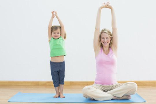 Jóga rodiče s dětmi od 3 měsíců